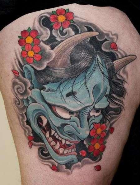 Tatuaje de Hannya color azul claro