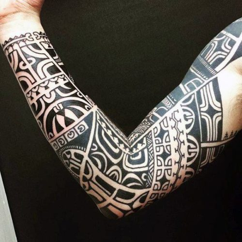 Tatuaje tribal sleeve