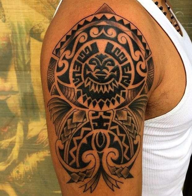 Tatuaje tribal maorí