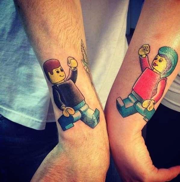 Tatuaje de mejores amigos Lego