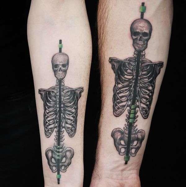 Tatuaje de mejores amigos - calaveras