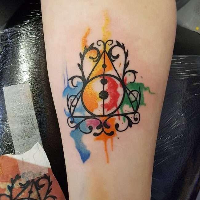 Tatuaje de Harry Potter estilo acuarela