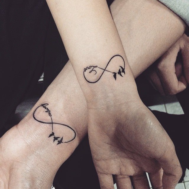Tatuaje de infinito love always