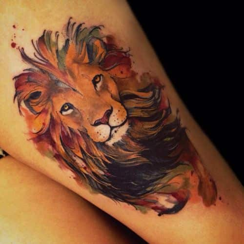 Tatuaje de león - colores de otoño