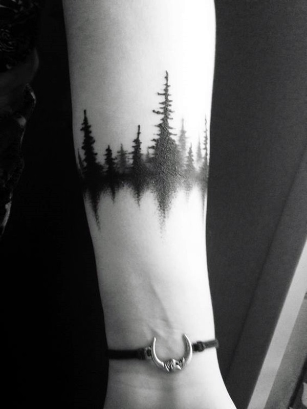Tatuaje de bosque - blackwork